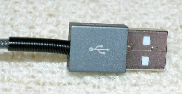 MOS-Spring-Lightning-cable-3