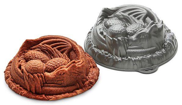 dragon-cake-pan-thinkgeek