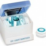 UV light sanitizer for facial and skin-cleaning brushes