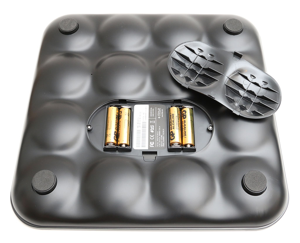 Batteries for bathroom scales - A Battery Compartment Houses 4 Aa Batteries Which Power The Scale Thankfully The Batteries Are Included In The Package I Couldn T Find Any Info About How