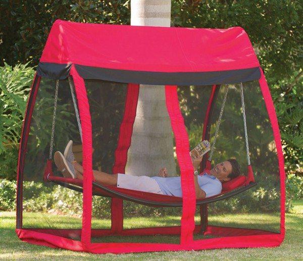 mosquito-thwarting-hammock