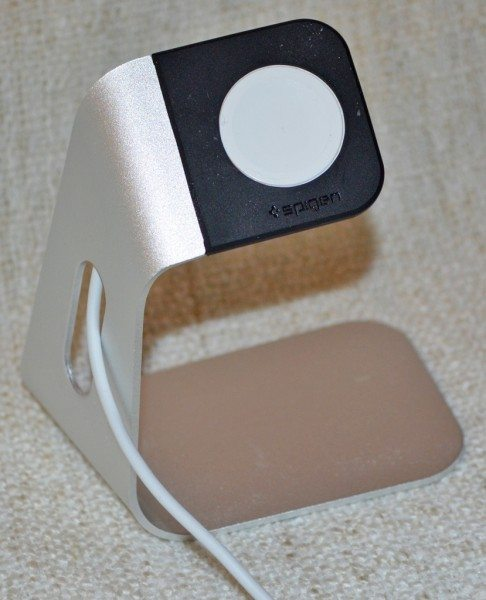 spigen-apple-watch-charging-stand-5