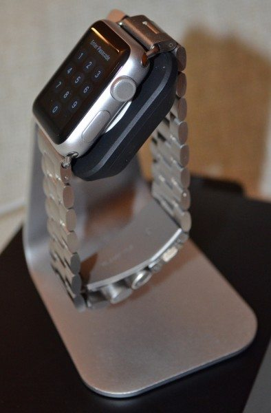 spigen-apple-watch-charging-stand-6