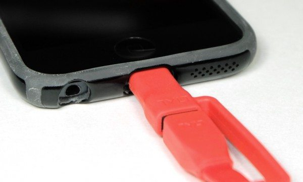 tylt-flyp-duo-reversible-USB-cable-6