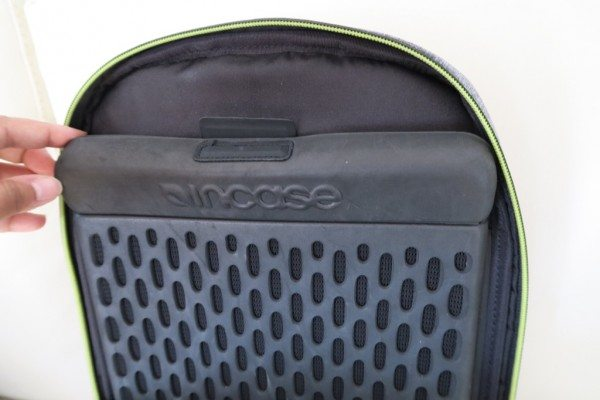 Incase-Reform-Backpack-Review-10