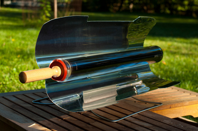 Cook your wieners in the gosun solar cooker the gadgeteer for Gosun stove
