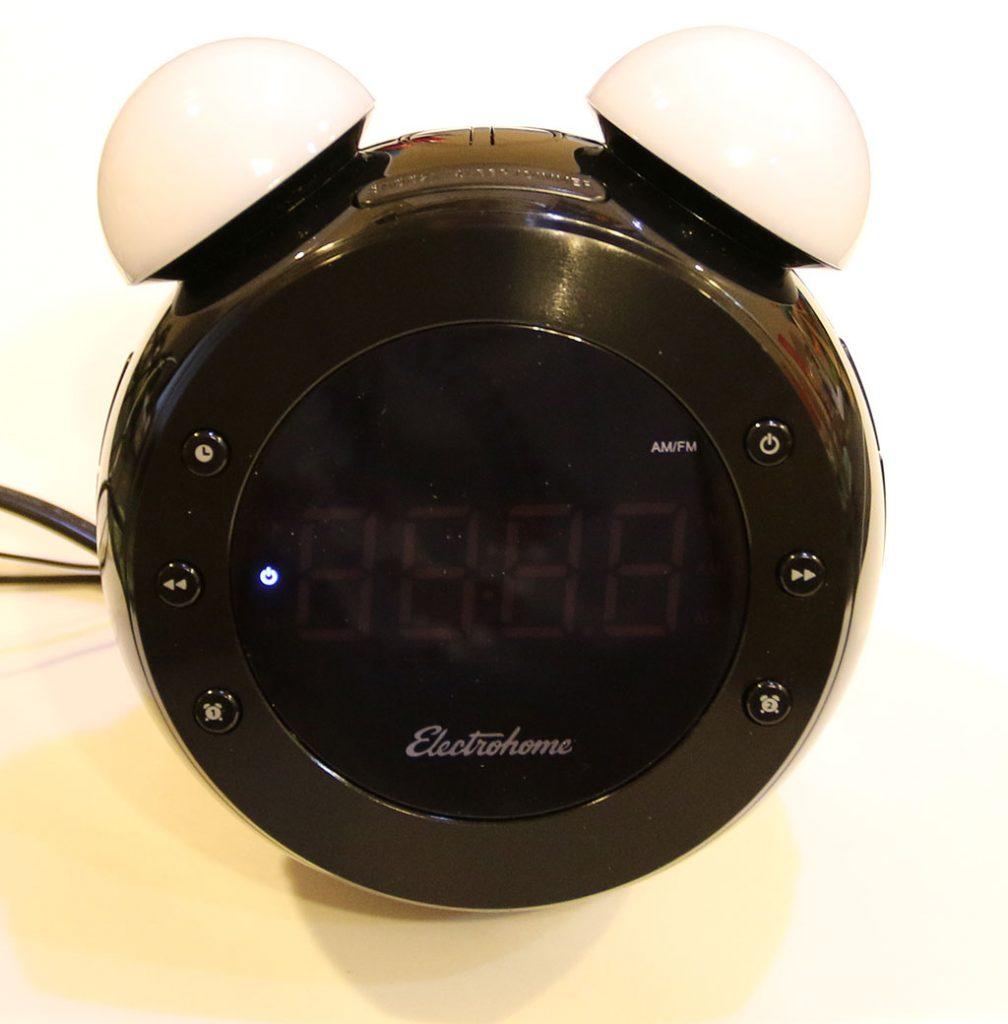 electrohome retro alarm clock radio review. Black Bedroom Furniture Sets. Home Design Ideas