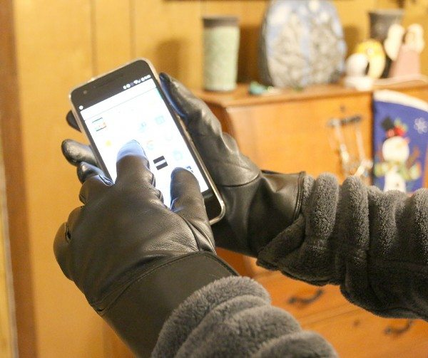 mujjo-leather-touchscreen-gloves-6