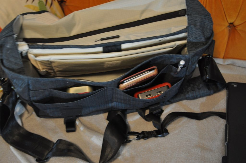 1587a1219a Tenba DNA 13 Messenger Bag review – The Gadgeteer