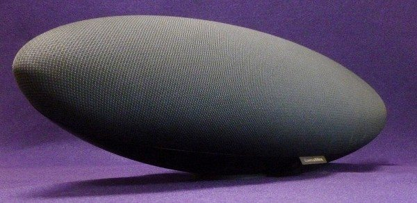 Bowers_Wilkins_Zeppelin_1