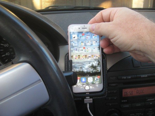 2016 03 20 iPhone Leather Car Mount - 8a