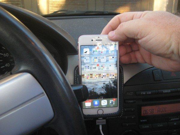 2016 03 20 iPhone Leather Car Mount - 8b