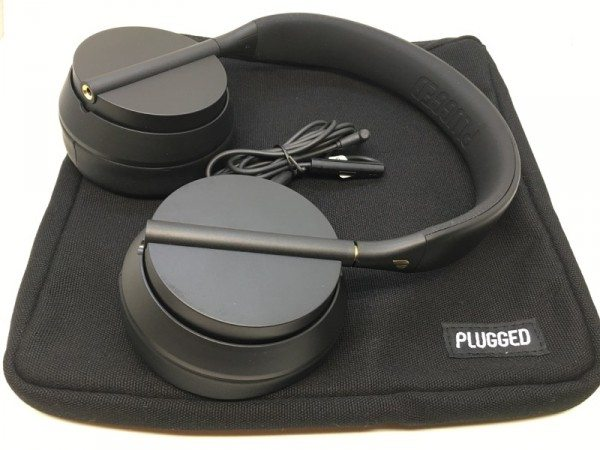 plugged crown headphones-08