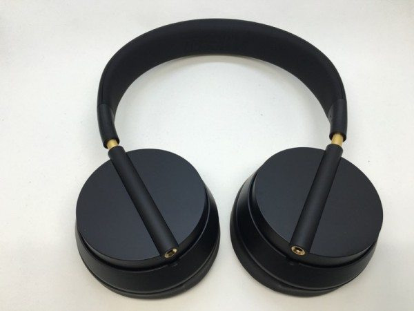 plugged crown headphones-10