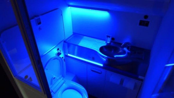 boeing-uv-lavatory