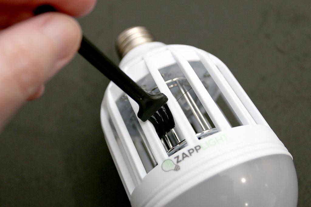 zapplight indoor bug zapper light bulb review. Black Bedroom Furniture Sets. Home Design Ideas