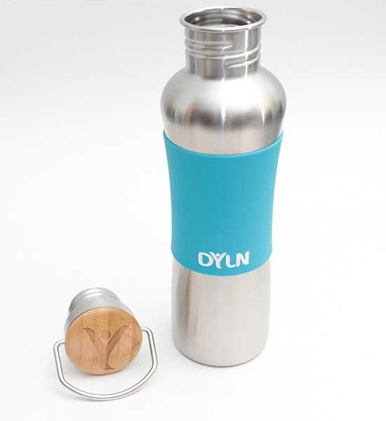 065c76240e The screw-on lid has an attractive bamboo cap and a handle. The DYLN bottle  can hold 25.4 oz (750 ml) of water. Cold water to be exact. You can add  ice, ...