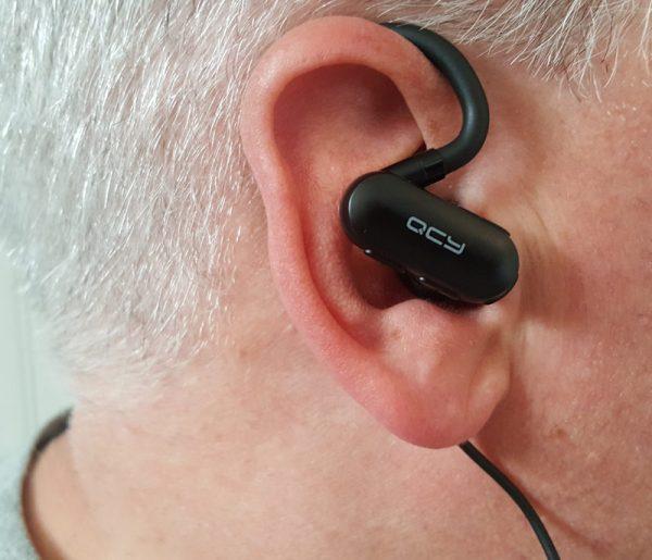 QCY wireless earphones 4