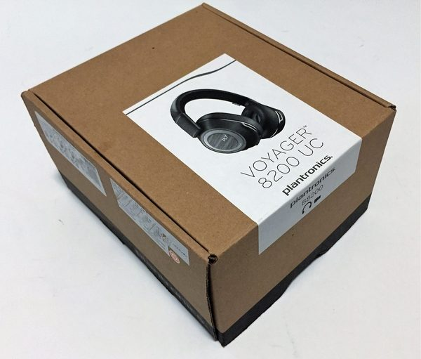 415fc04e0aa The headphones don't come in an elaborate package. Some of Plantronics  other products come in packaging that has more retail focus but these just  came in a ...