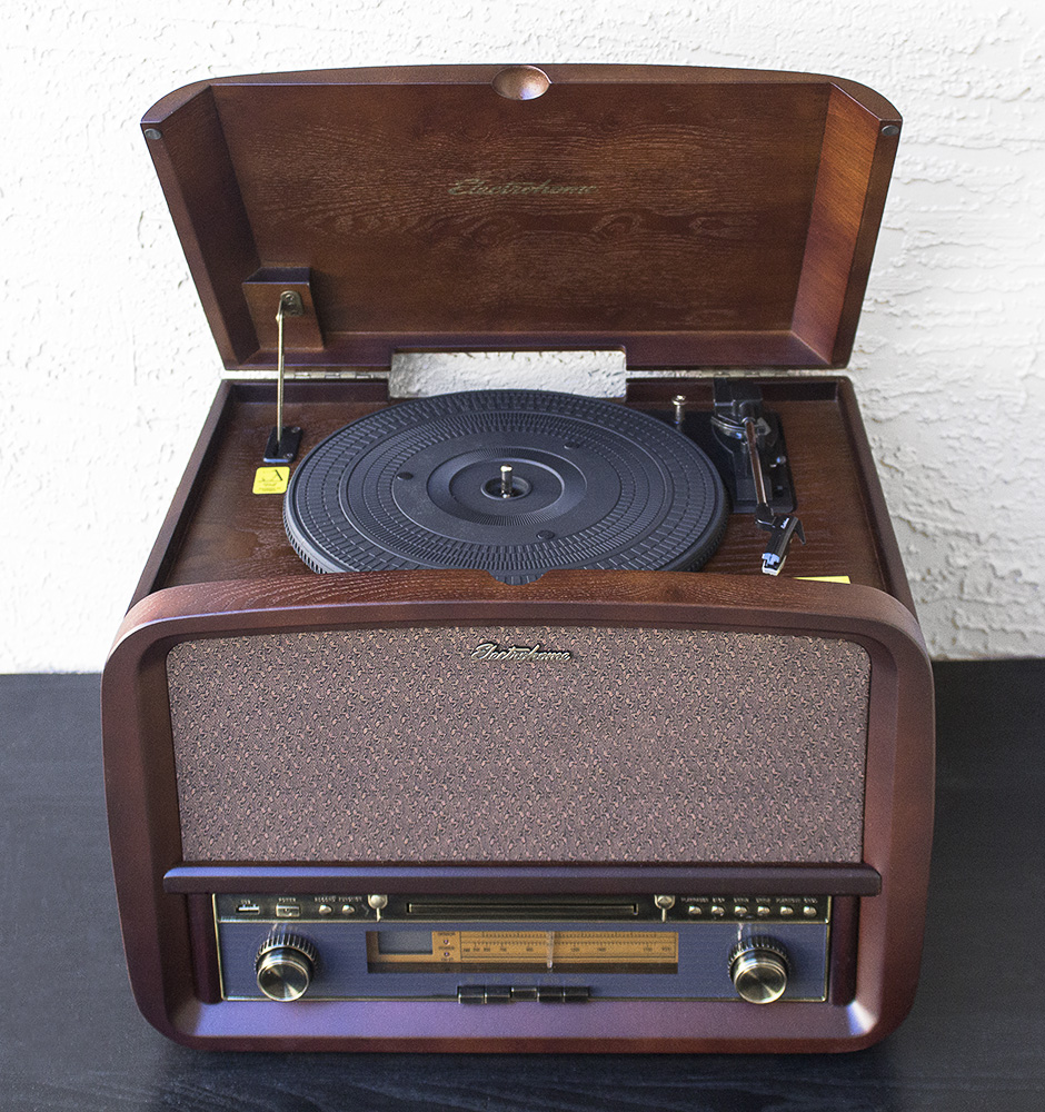 Electrohome Signature Vinyl Record Player classic turntable stereo