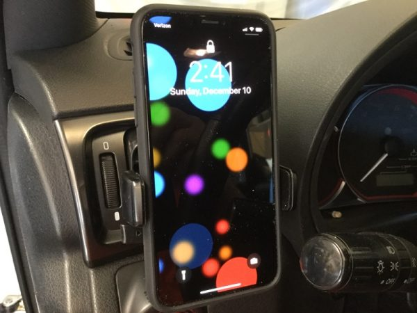 iOttie Easy One Touch 4 Phone car mount review – The Gadgeteer - iottie easy one touch4 vent 06 600x450 - iOttie Easy One Touch 4 Phone car mount review – The Gadgeteer