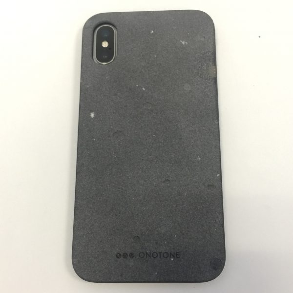 - ONOTONE 14 600x600 - ONOTONE Concrete and Bamboo iPhone X Case review – The Gadgeteer