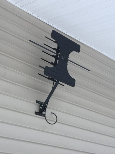 - Winegard Antenna Rev OUT 8bbcce1fb3 450x600 - Winegard Elite 7550 Long Range Outdoor HDTV Antenna review – The Gadgeteer