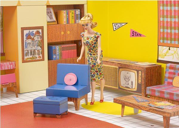 - retro barbie dream house 2 600x431 - Go retro with Barbie and her Dream House