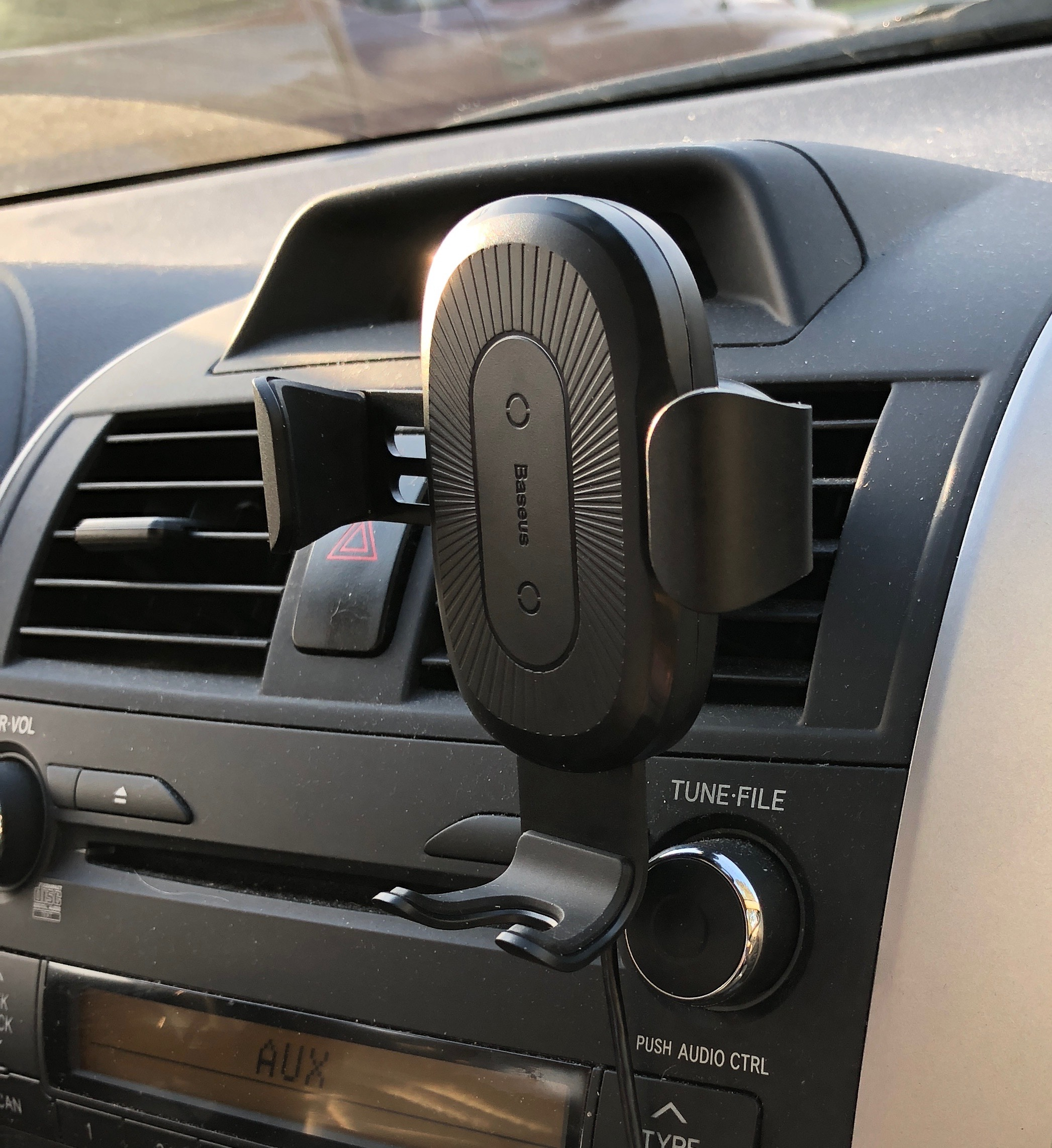 Baseus Wireless Charging Gravity Car Mount review – The
