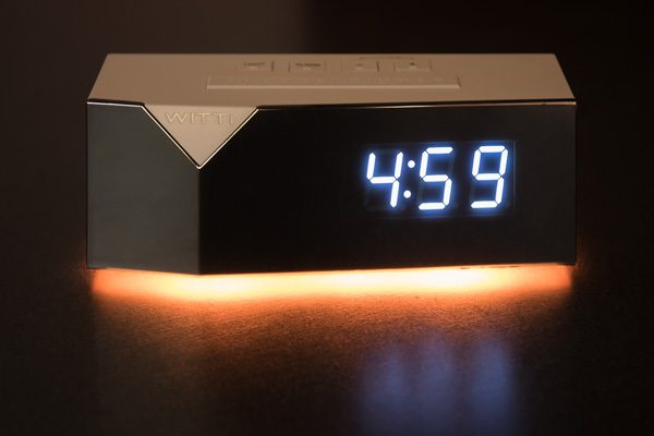 WITTI BEDDI Charge alarm clock with night light and 3 USB ports
