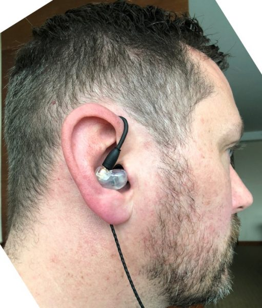 Gadgeteer B200 image review - Alex with B200 in the ear
