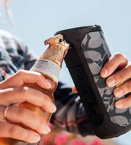 - scosche bottleboomwirelessspeaker 5 541x600 - The BoomBottle MM wireless speaker pops tunes and bottle caps