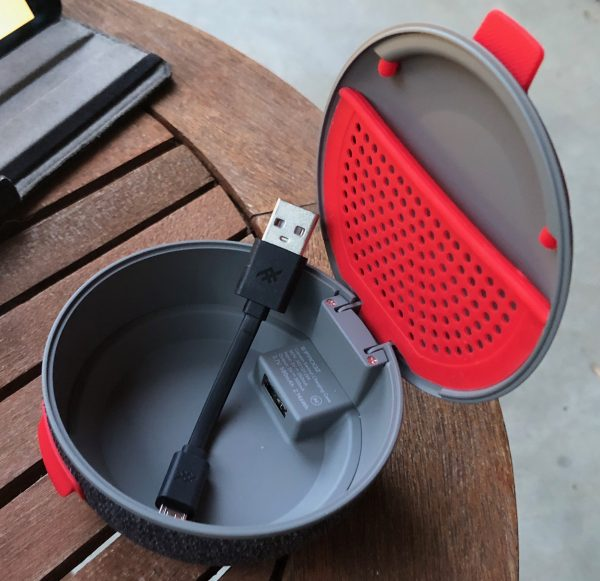 - iFrogCocoon 5 600x581 - iFrogz Cocoon earbud charging case review