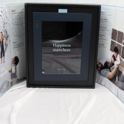 Aura Frames digital photo frame review