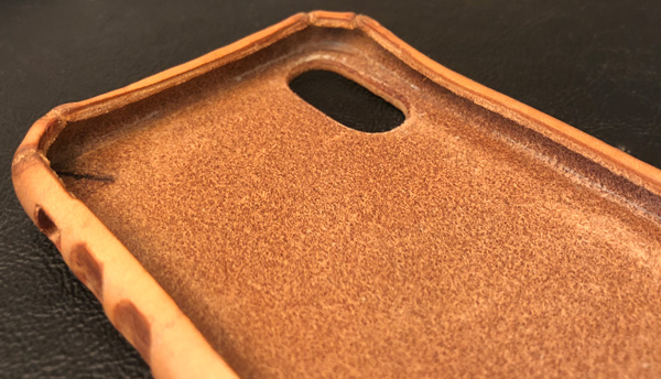 detailed look b2daa 60aa1 Saddleback Boot Leather iPhone case review – The Gadgeteer