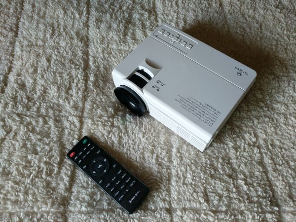 Vankyo LEISURE 3 2200 LUX LED Portable Projector review