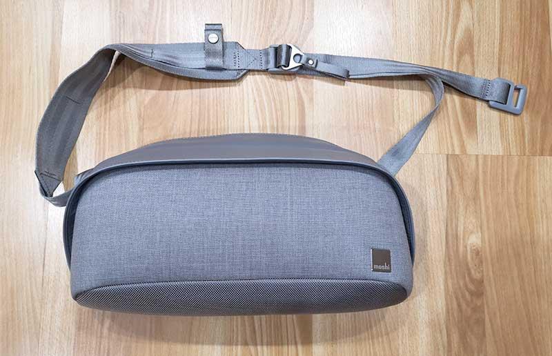 - moshi tego sling 1 - Moshi Tego Slingpack bag review – The Gadgeteer