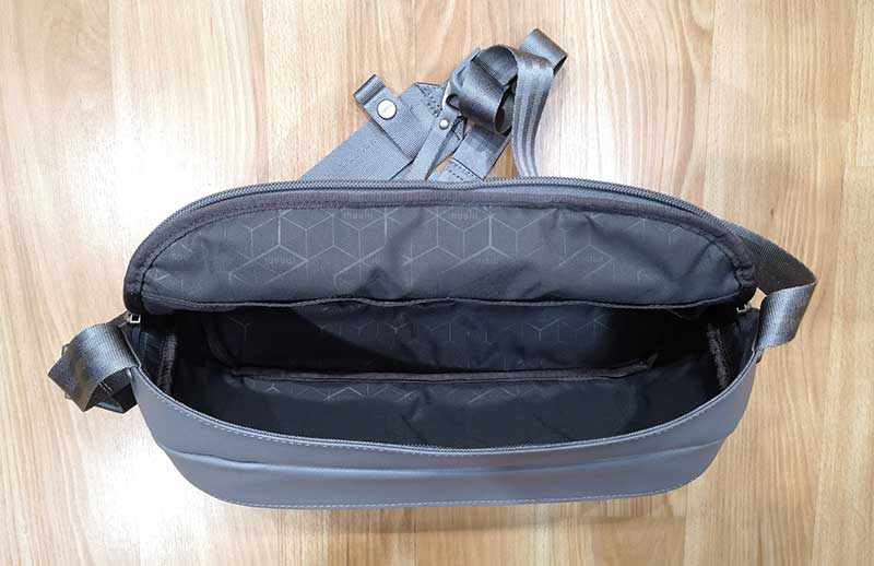 - moshi tego sling 3 - Moshi Tego Slingpack bag review – The Gadgeteer