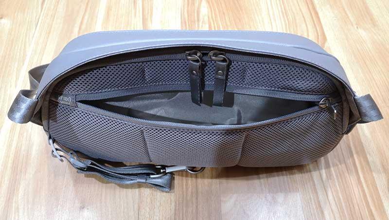 - moshi tego sling 6 - Moshi Tego Slingpack bag review – The Gadgeteer
