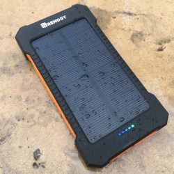 Renogy 10,000mAh Solar Panel Water Resistant Power Bank review