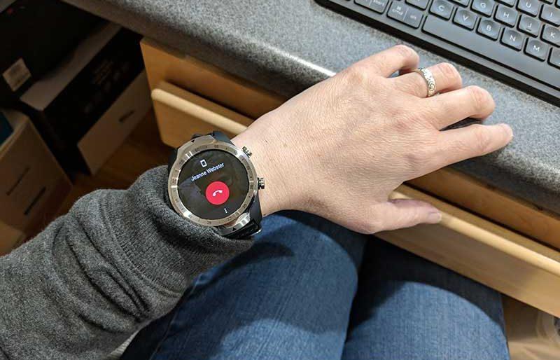 ticwatch pro 401 e1536698342771