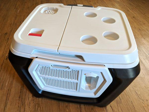 Coolest Cooler Rev 142522 e1542588067709