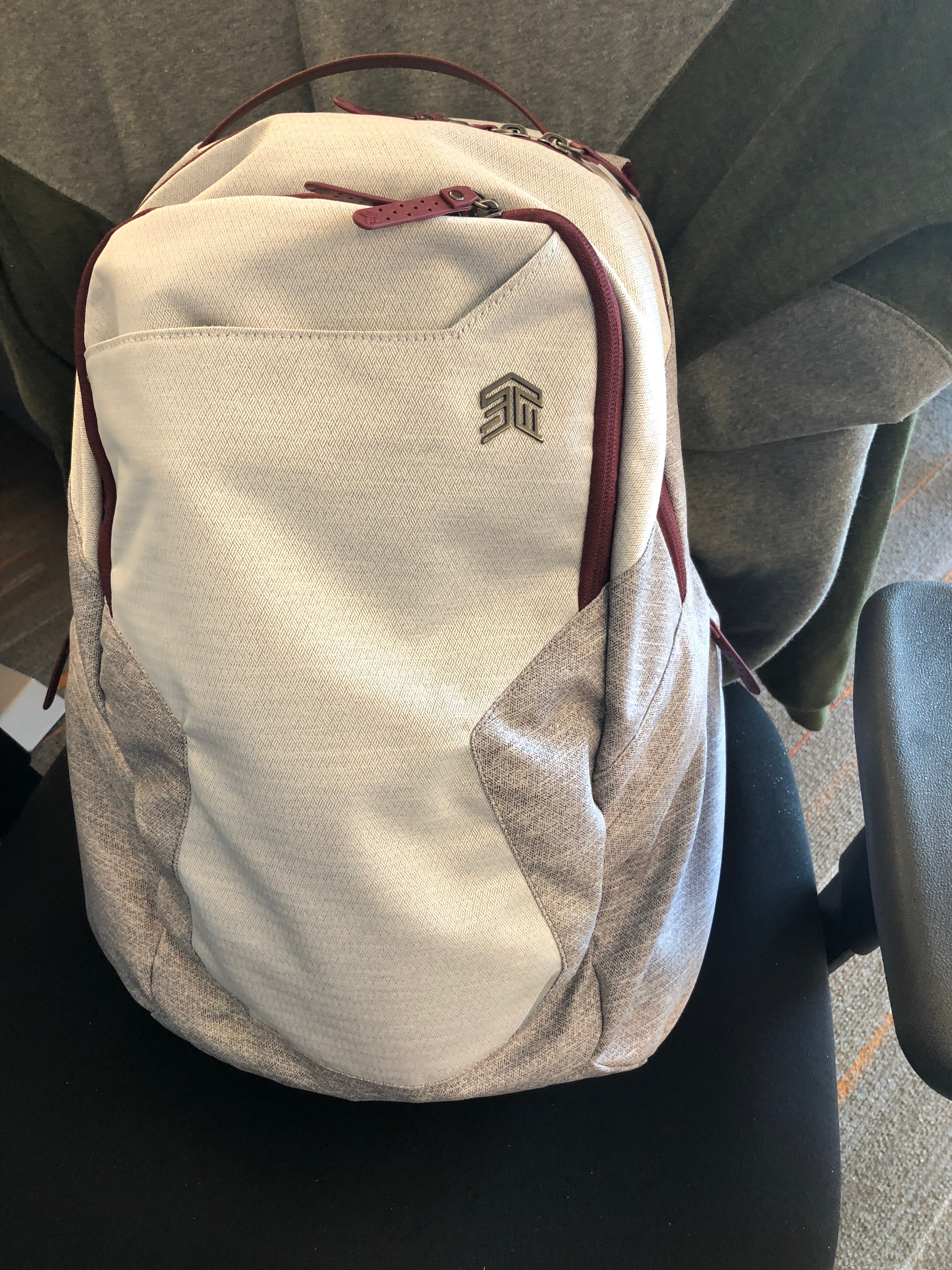 5ac6f169f6 REVIEW – Laptop backpacks are all the rage these days. With the rise of a  younger
