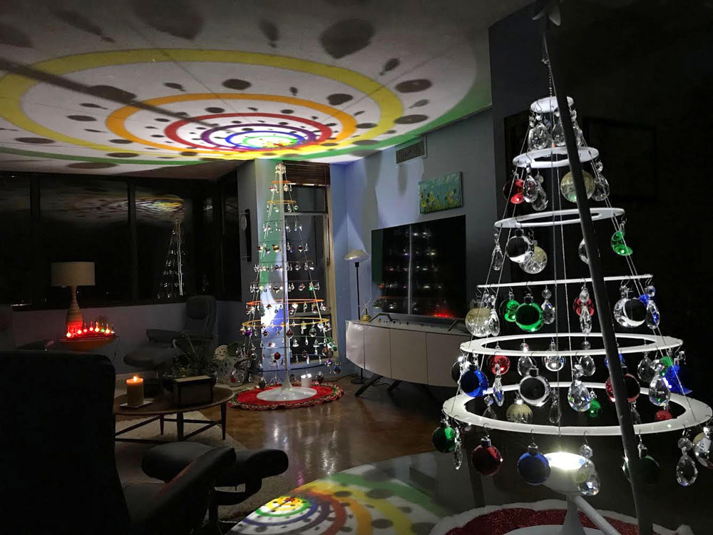 Mid Century Modern Christmas Tree.Get Ready For Christmas 2019 With This Sale The Gadgeteer