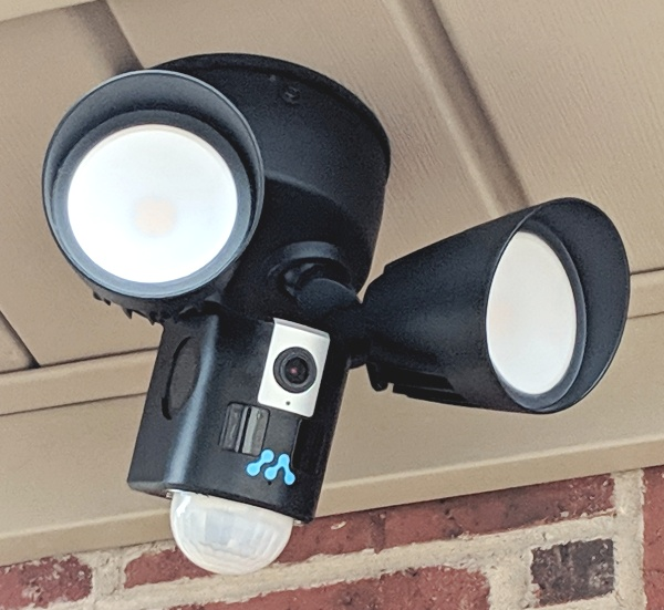 the best attitude a037a d4101 Momentum Aria LED Floodlight with WiFi Camera review – The ...