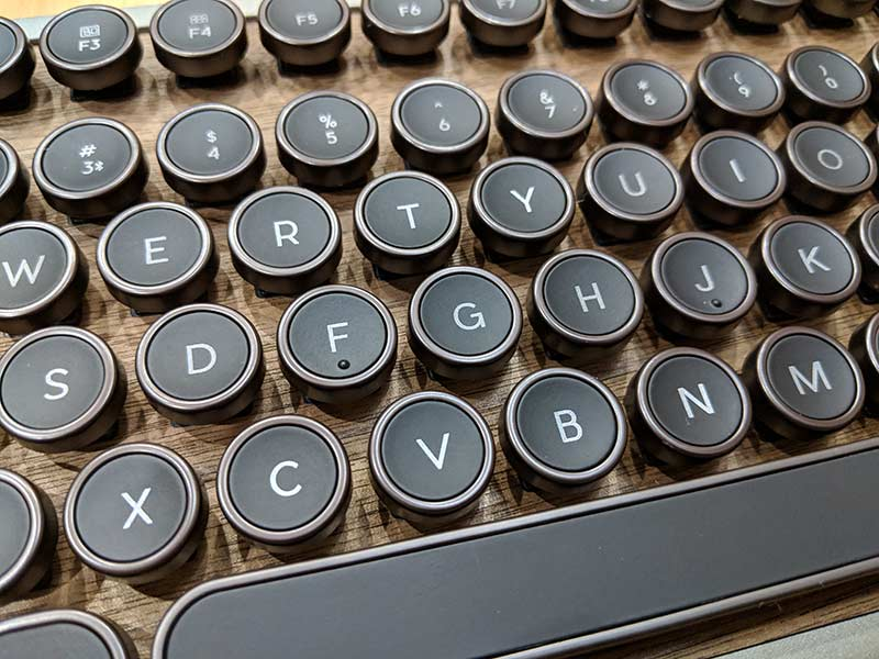 AZIO RCK Retro Compact Keyboard review – The Gadgeteer