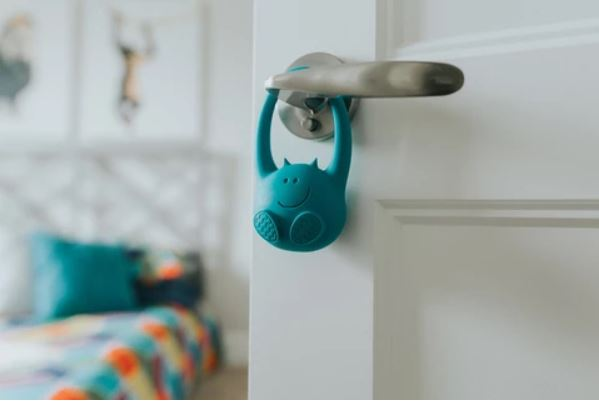 toddlermonitor let's you know when your child opens their bedroom door – The Gadgeteer