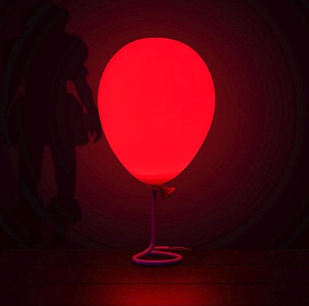 firebox pennywiseballoonlamp 3