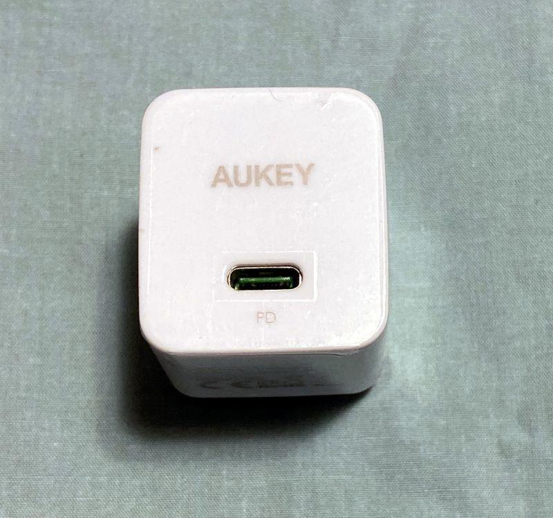 Aukey Omni Power 04
