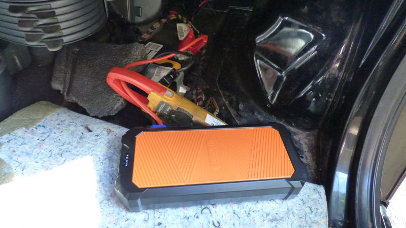 portable car jump starter supercapacitor based